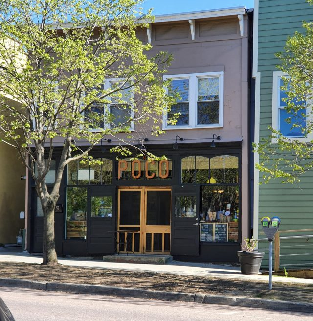 Local+restaurant+turned+grocer+in+midst+of+COVID-19